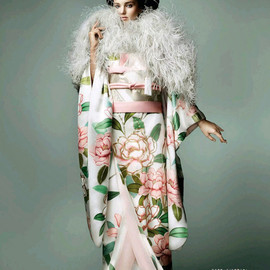 Style icon - Miranda Kerr by Anna Dello Russo and Mario Testino for Vogue Japan