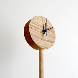 kamakura terrace - one-legged clock|floor type