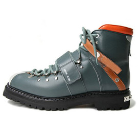 UNDERCOVERISM - Undercoverism ss2010 Hiking Boots