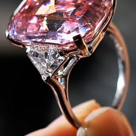 Graff - $46,000,000.00/ Pink 24.78 carat Diamond ring