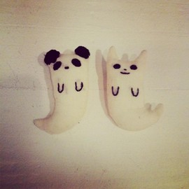 Kanae Entani - cat ghost & panda ghost brooches