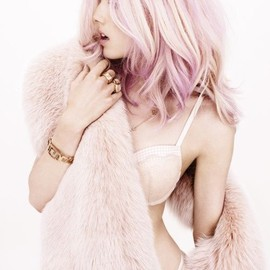 Ginta Lapina // Perfect skin and makeup. Also love the pale pink hair!