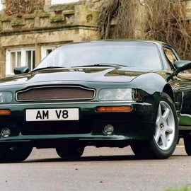 Aston Martin - V8 Coupe