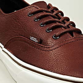 VANS - Authentic Decon CA in Brown
