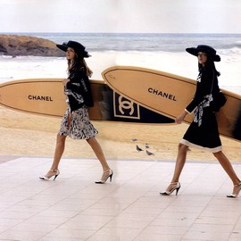 CHANEL - SURFBOARD
