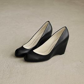 BEAUTIFUL SHOES - HIGH ROUND MONOCROME #black