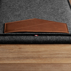 hard graft - XII MACBOOK SLEEVE / HERITAGE