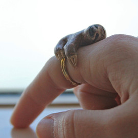 CuriousBurrow - Sloth Ring