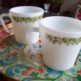 pyrex - Crazy Daisy mugs