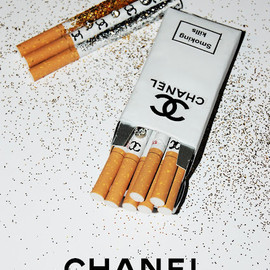 CHANEL - cigarette