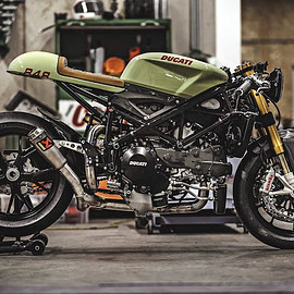 "# 46 ""Green Arrow"" HONDA CB 750"