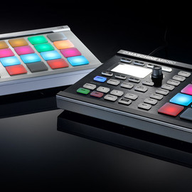 NATIVE INSTRUMENTS - MASCHINE MIKRO white and black