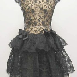 Givenchy - back lace 1960