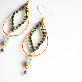 Ostara - Dangle Earrings 16:31