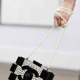 CHANEL - Pearl