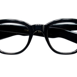 1960s AMERICAN OPTICAL - PENINNGTON BLACK with FAT TEMPLE