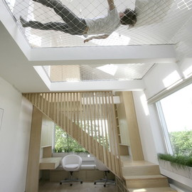 Wonderful apartment in Moscow - hammock on the ceiling