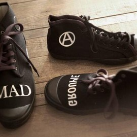 UNDERCOVER - THE MAD MARKET at UNDER COVER AOYAMA CANVAS SNEAKER HI