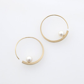 via Pearl Long Tall Earrings
