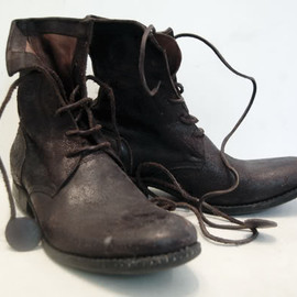 Carpe Diem -  lace up boots