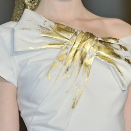 Luisa Beccaria - gold painted ribbon