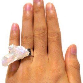 HOLOGRAM Angel Aura Quartz Cluster Ring 1