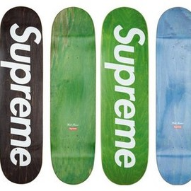 Supreme - Staned Logo