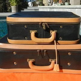 Hermes - VINTAGE Black-Tan Leather Luggage Set