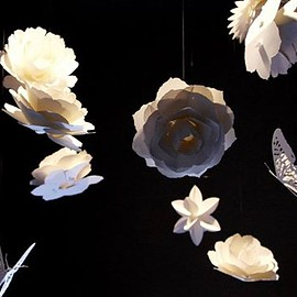 yuichi miyoshi - 舞う花と蝶のモビール Paper flower and butterfly mobiles