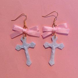 Roretta's Room - Chaton Cross Christ ribbonピアス