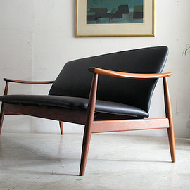 Finn Juhl  No.136 Easy Chair