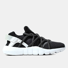 NIKE - AIR HUARACHE NM
