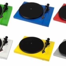 PRO-JECT - DEBUT CARBON TURNTABLE