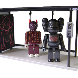 kaws - NEW Medicom Toy KUBRICK KAWS Bus Stop Set1