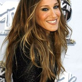 Sarah Jessica Parker, love the hair.