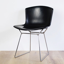 Knoll - Plastic Side Chair by Harry Bertoia