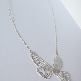 marzo-jewelry - delicate air necklace - swallowtail