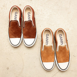 GANRYU - Suede Slip-On Shoes