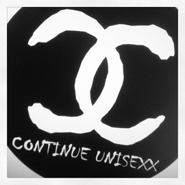 CONTINUE UNISEXX - 77mm デカバッチ