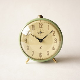 jaz - alarm clock /green cracked finish / france 1941~1967 /working