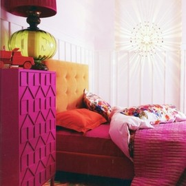Love this bright bedroom