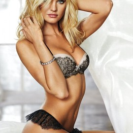 Candice Swanepoel - Candice's amazing body
