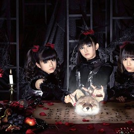 BABYMETAL - KITSUNE ON THE TABLE