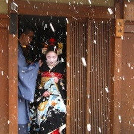 Maiko in snowy Kyoto, Japan
