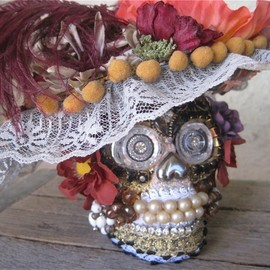 Morticia Snow - skull with Flower Picture Hat SECRET Hiding Place