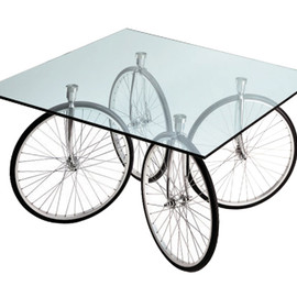 Gae Aulenti - Tour Table