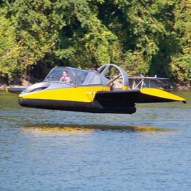 Universal Hovercraft - UH-18SPW Hoverwing - flying hovercraft