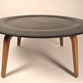 Charles Eames - CTW-3 Coffee Table