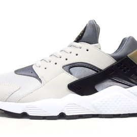"""NIKE - AIR HUARACHE """"LIMITED EDITION for NSW BEST"""""""