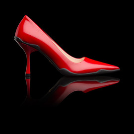 PRADA - SS2014 RUSHED CALF LEATHER POINTY TOE PUMP LACQUER RED+BLACK
